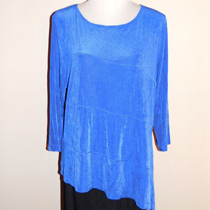 3 Travelers by Chicos Blue Slinky Stretch Top